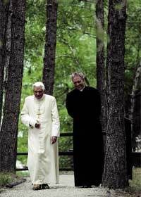 El-Papa-pasea-Les-Combes