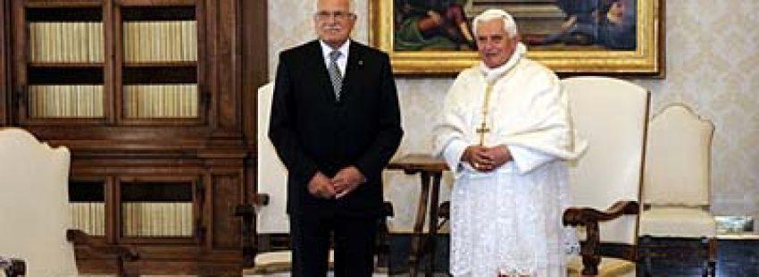 """El Papa visita el """"pequeño"""" rebaño checo"""