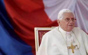 El Papa, a su llegada al aeropuerto de Praga