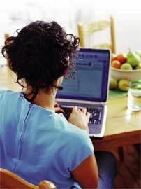 Chica-con-ordenador