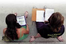 Jóvenes-estudiando