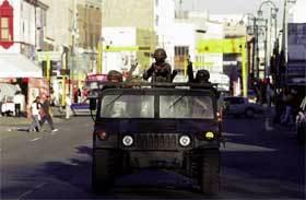 Soldados-en-jeep