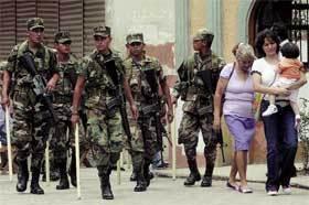 Soldados-por-la-calle
