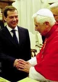 El-Papa-con-Medvedev
