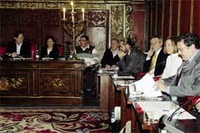 Sesión en el Ayuntamiento de Vic en la que se adoptó la polémica decisión de no empadronar a sin papeles