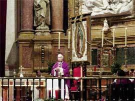 El obispo Gregorio Martínez, durante la Fiesta de los Hispanos, el pasado mes de diciembre