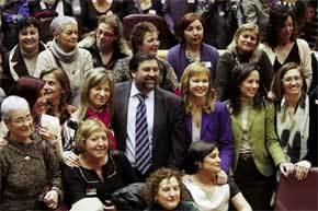 Bibiana Aído, Francisco Caamaño, Leire Pajín y Beatriz Corredor, entre otros, tras la votación en el Senado