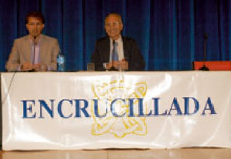 Andrés Torres Queiruga, homenaje, acompañado por Castelao