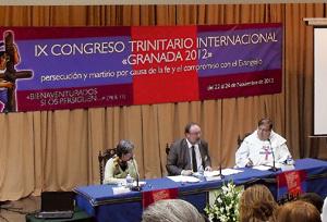 mesa del Congreso Trinitario Internacional sobre los cristianos perseguidos noviembre 2012
