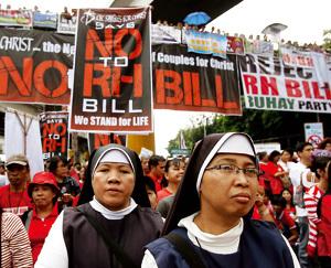 religiosas en una manifestación contra la ley del divorcio en Filipinas