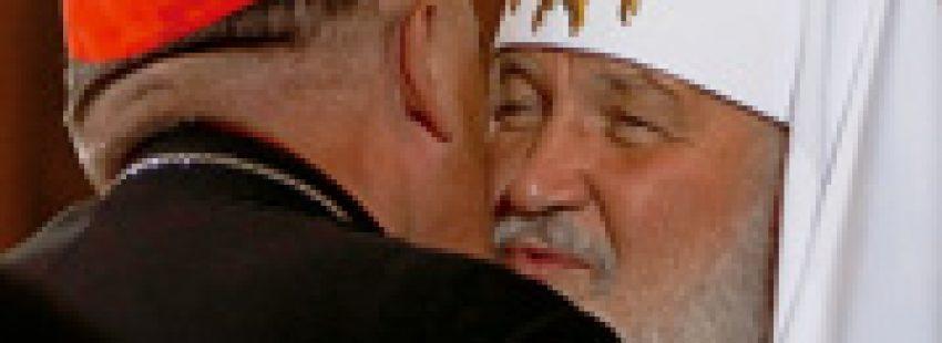 patriarca ortodoxo ruso Kirill y Josef Michalik presidente obispos polacos