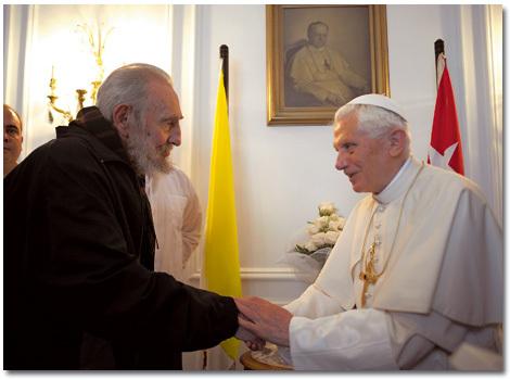 papa Benedicto XVI con Fidel Castro en Cuba en marzo 2012
