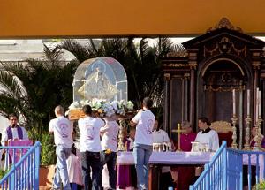Virgen del Cobre durante la visita del papa Benedicto XVI a Cuba 2012