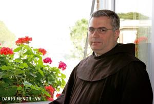 José Rodríguez Carballo ministro general Franciscanos y presidente USG