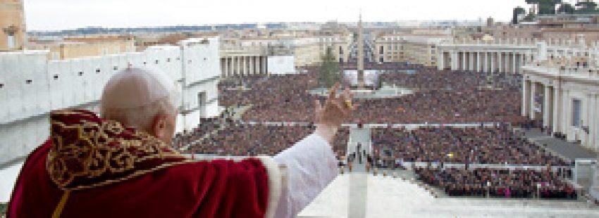 papa Benedicto XVI en la bendición Urbi et Orbi 25 diciembre 2012
