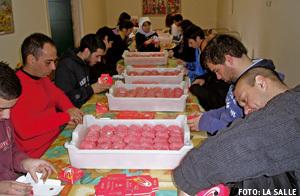 jóvenes en taller de oración y trabajo en Monasterio de Armenteira Pontevedra