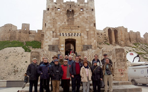 grupo de peregrinos en Alepo, Siria, en viaje con Turismo y Peregrinaciones 2000