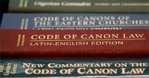 libros del código de derecho canónico que regulan renuncia papa