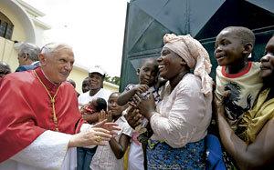papa Benedicto XVI visita pastoral a Camerún y Angola en 2009