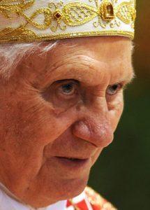 dimite papa Benedicto XVI