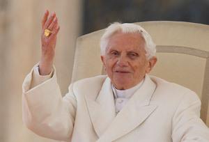 papa Benedicto XVI sonriente en una de sus últimas apariciones