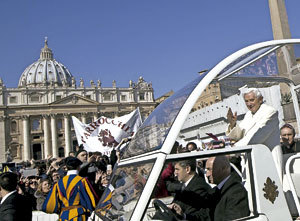 papa Benedicto XVI en su última audiencia general 27 febrero 2013