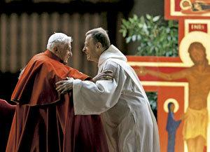 papa Benedicto XVI con Alois de Taizé