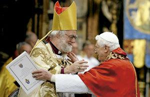 papa Benedicto XVI y Rowan Williams antiguo arzobispo de Canterbury