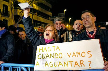 grupo de personas se manifiestan protestas contra corrupción política