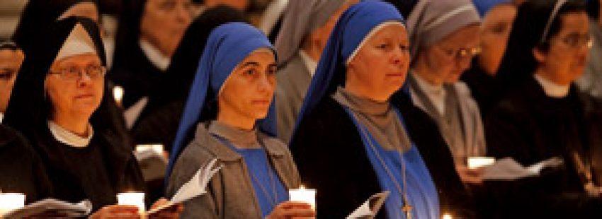 religiosas durante la celebración Jornada Mundial Vida Consagrada 2013 con el Papa