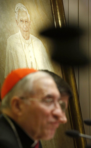 cardenal Rouco y cuadro Benedicto XVI