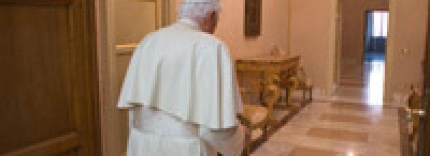 Benedicto XVI papa emérito en Castel Gandolfo