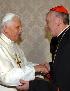 cardenal Jorge Mario Bergoglio con Benedicto XVI en 2007