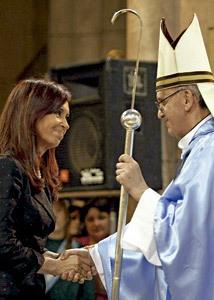 cardenal Jorge Mario Bergoglio con Cristina Fernández de Kirchner presidenta Argentina