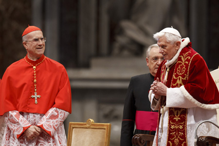 cardenal Bertone con Benedicto XVI 9 febrero 2013