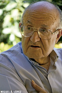 Eduardo Bonnín, sacerdote escolapio, doctor en Teología Moral en Encuentros Vida Nueva México preparación del cónclave 2013