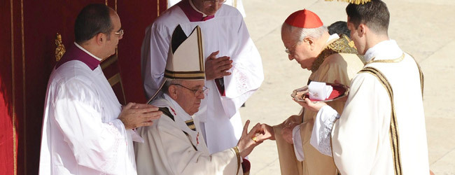 papa Francisco entrega del anillo del pescador misa inicio del Pontificado 19 marzo 2013
