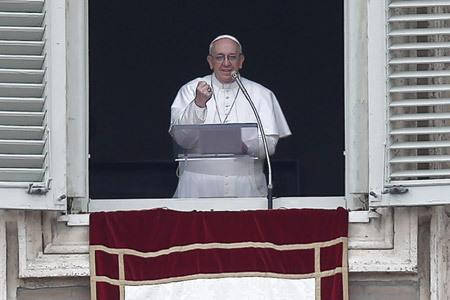 papa Francisco en su primer Angelus 17 marzo 2013