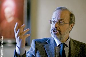 Giovanni Maria Vian, director de L'Osservatore Romano en Encuentros Vida Nueva preparando cónclave 2013