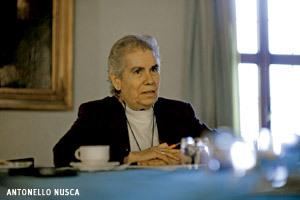 Josune Arregui, secretaria ejecutiva UISG en Encuentros Vida Nueva preparando cónclave 2013