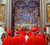 cardenales entrando al cónclave