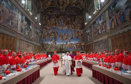 papa Francisco sale del cónclave 13 marzo 2013