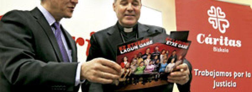 Mario Iceta obispo de Bilbao y Carlos Bargos presidente Cáritas Bizkaia