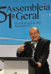 Sergio Castriani, obispo de Brasil, en la 51 Asamblea General del Episcopado abril 2013