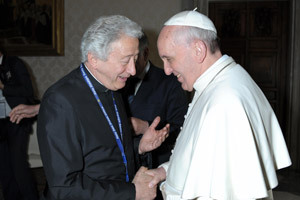 papa Francisco y Antonio Pelayo corresponsal de Vida Nueva en Roma