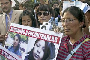 familiares de chicas secuestradas protestan contra trata de personas