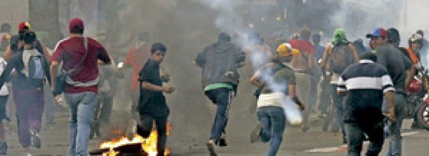 disturbios y enfrentamientos violentos en Venezuela tras elecciones presidenciales abril 2013