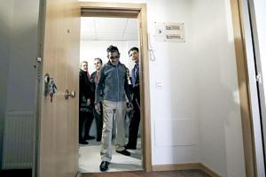 entrega de la primera vivienda del programa de Cáritas Madrid