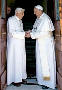 Benedicto XVI es recibido por papa Francisco en el Vaticano 2 mayo 2013