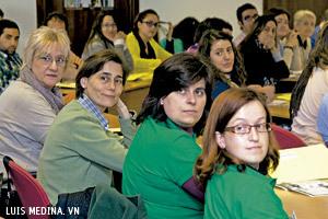 jóvenes participan en el X Encuentro Misionero abril 2013